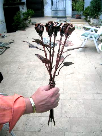 Kovácsoltvas rózsa karácsonyi ajándék