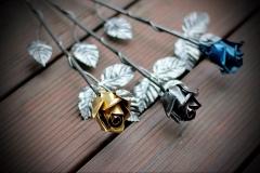 kovácsoltvas rózsa arany színű rózsafejjel
