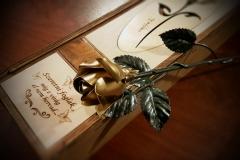 kovácsoltvas rózsa arany színű rózsafej