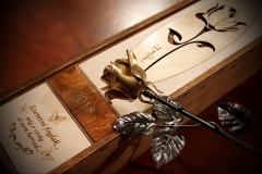 kovácsoltvas rózsa arany színű rózsafej 02